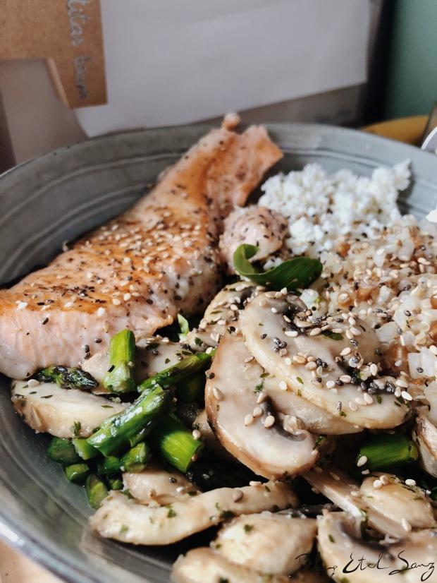 Ensalada de salmón y requesón Pastoret